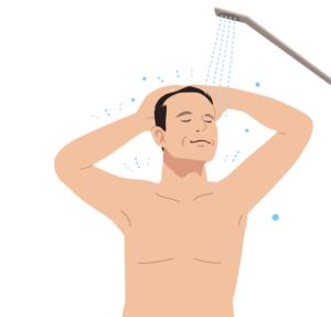 髪を洗う男性